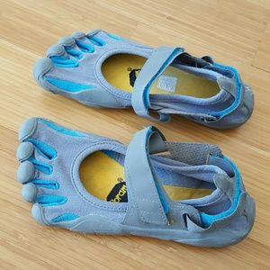Vibram Shoes - Vibram five finger shoes