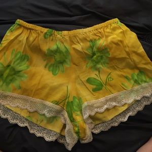Show Me Your MuMu Pants - Show me your mumu yellow shorts