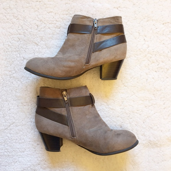 138c9488a90 Cato Shoes - Brown suede Cato ankle boots with zipper size