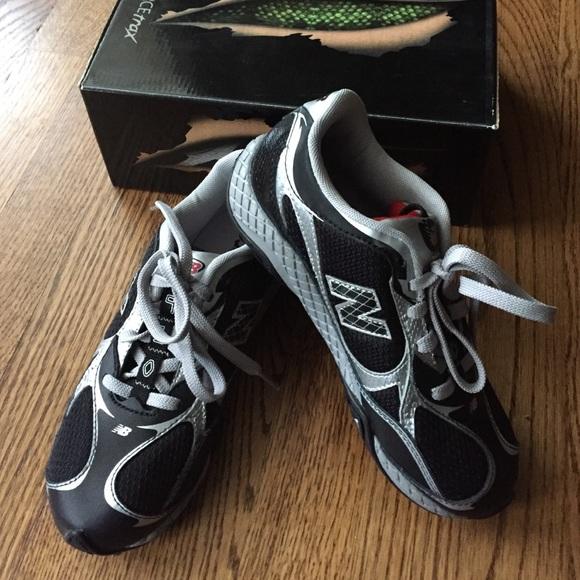 NEW Boys New Balance fierce trax gym shoes b57ff4837