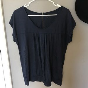 Ann Taylor LOFT soft tee top w zipper back