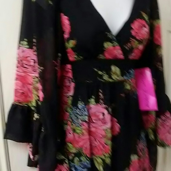 Betsey Johnson Dresses - Betsey Johnson Rose Bambi Kimono Dress sz 2