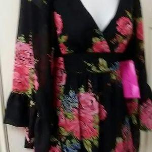 Betsey Johnson Dresses - Betsey Johnson Rose Bambi Kimono Dress sz 2