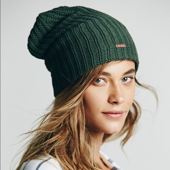 7835559dfb8db Free People Accessories - Free people slouchy beanie