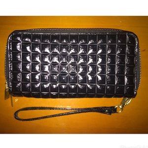 Handbags - ❣️🆕 Black Clutch Wallet (NWOT)❣️🆕
