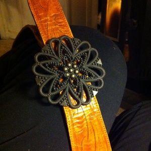 Leather belt, vintage flower buckle,H P