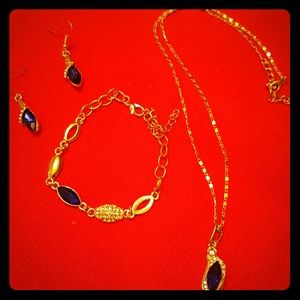 NEW!!SET NECKLACE, BRACELET AND EARRINGS!!!NWOT