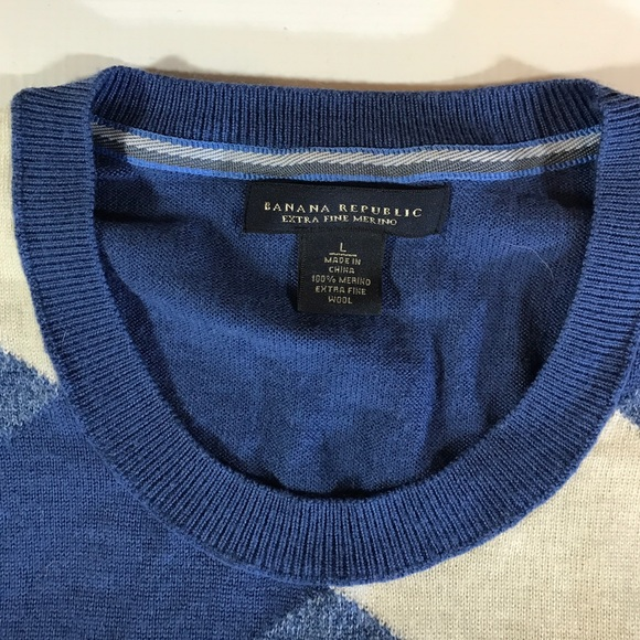 Banana Republic Sweaters - Banana Republic Blue Gray Diamond Crewneck Sweater