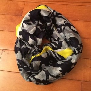 Gap camo and neon trim scarf