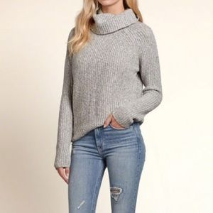 Hollister Sweaters - Hollister gray crown neck sweater