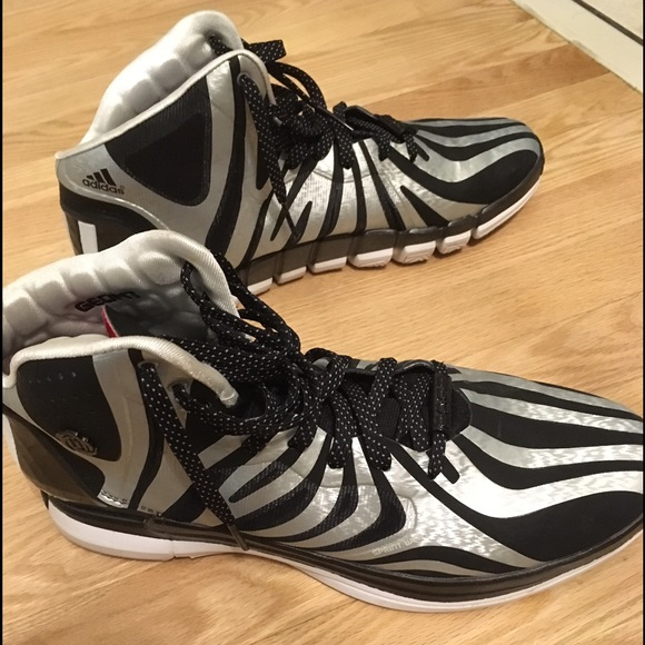 premium selection 6c631 80968 Adidas Other - Adidas D Rose 4.5 Zebra 12 Derrick Basketball shoe