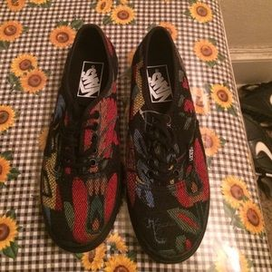 Vans Shoes - Brand new never worn vans