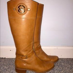 Michael Kors brown riding boots 💅🏼