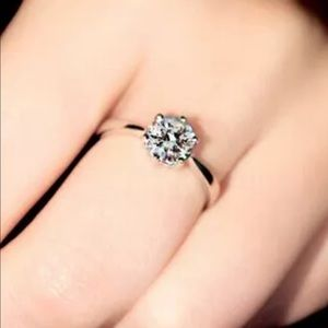 Jewelry - 💎New! The Classic Solitaire💍Engagement Ring