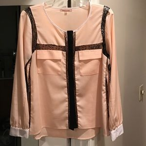 Gibson Latimer  Tops - Gibson Latimer L/S pink w/ lace blouse