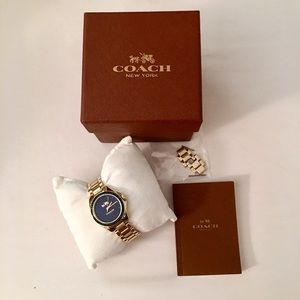 Coach Accessories - 🎀 Coach Gold Watch