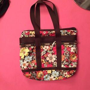 LaCrosse Handbags - Lesport women's floral print Tote Bag