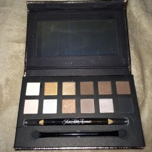 Saks Fifth Avenue Other - Saks Fifth Avenue Eyeshadows and eyeliner pencil