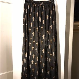 Black and print maxi skirt with under layer