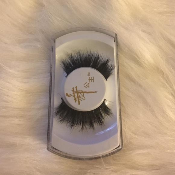 55de9e13487 Fashion Mink Eyelashes. M_58898348522b4507cc018aba