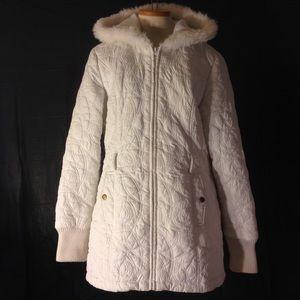 Runway Femme Jackets & Blazers - Designer Runway Femme White Quilted coat with hood