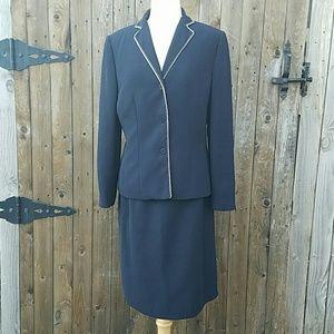 Le Suit Dresses & Skirts - Le Suit 2 Piece Navy Blue Lined Skirt & Blazer Set