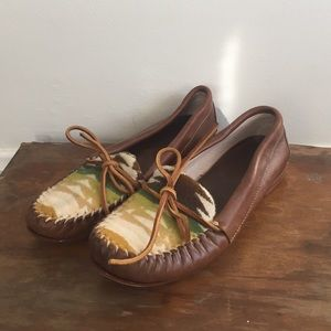 Anthropologie Shoes - Anthropologie tribal moccasin