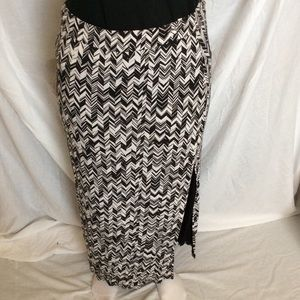 Anthropologie MaEve Black/White Print Maxi Skirt