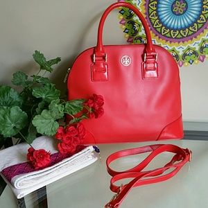 Tory Burch Handbags - Authentic tory burch robinson