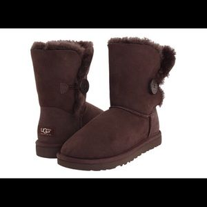 UGG Shoes - Ugg bailey button size 7