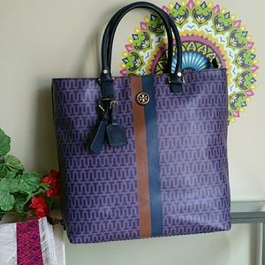 Tory Burch Handbags - Tory burch big tote