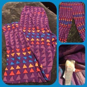 LuLaRoe Pants - BNWT LULAROE TC PURPLE LEGGINGS w/Colored Design
