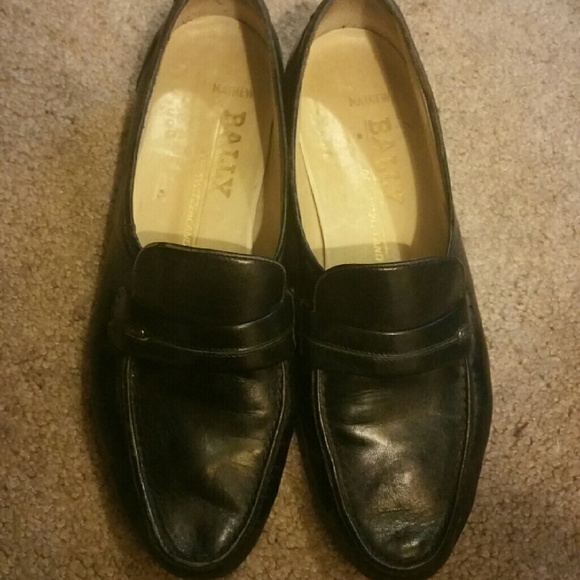 15b4aabcca513 Vintage Ballys loafers