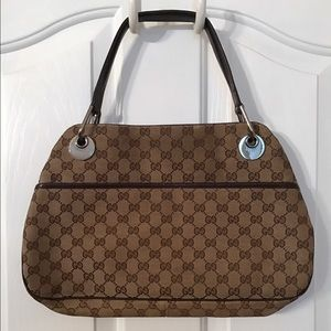 Gucci Handbags - Gucci handbag 👜