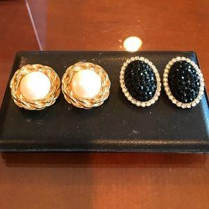 Jewelry - 2pairs of vintage earrings great shape