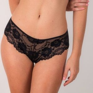 Bloomingdale's Other - ❗️1 LEFT Bloomingdales Columbian Black Lace Thong