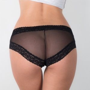 Bloomingdale's Other - ❗️1 LEFT Bloomingdale's Columbian Lace Panty NWT