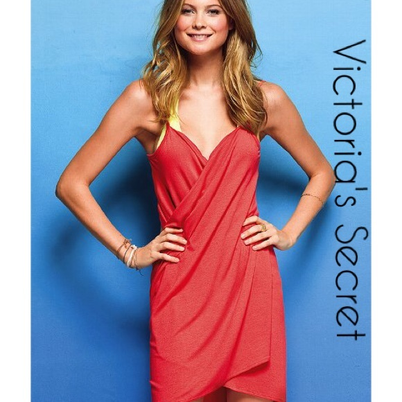 dfea540c30d45 Victoria's Secret Swimsuit Cover Up