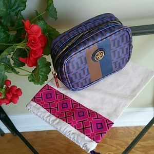Tory Burch Handbags - Tory burch make up bag