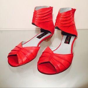 Everybody by B.Z. MODA Shoes - Everybody by B.Z. MODA Women's Red Leather Sandal