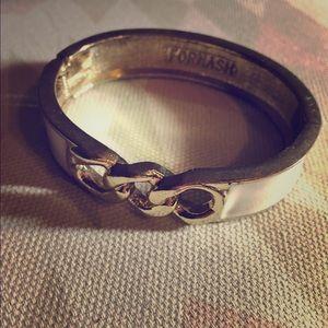 Lilly Pulitzer Jewelry - Pretty white & gold bracelet