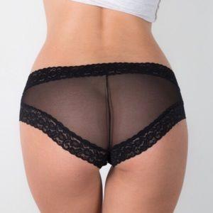 Bloomingdale's Other - ❗️1 LEFT Bloomingdales Black Columbian Lace Panty