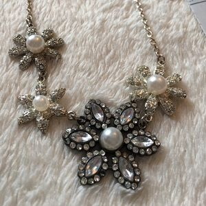 FINAL PRICEFlower necklace