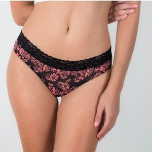Bloomingdale's Other - ❗️1 LEFT Bloomingdales Columbia Lace Floral Thong