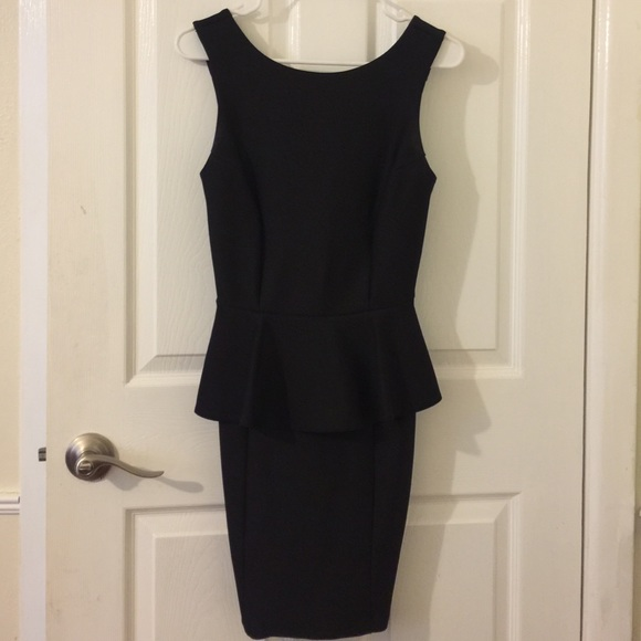 Topshop Dresses & Skirts - Topshop peplum dress