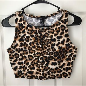 🌟Leopard Crop Top!🌟