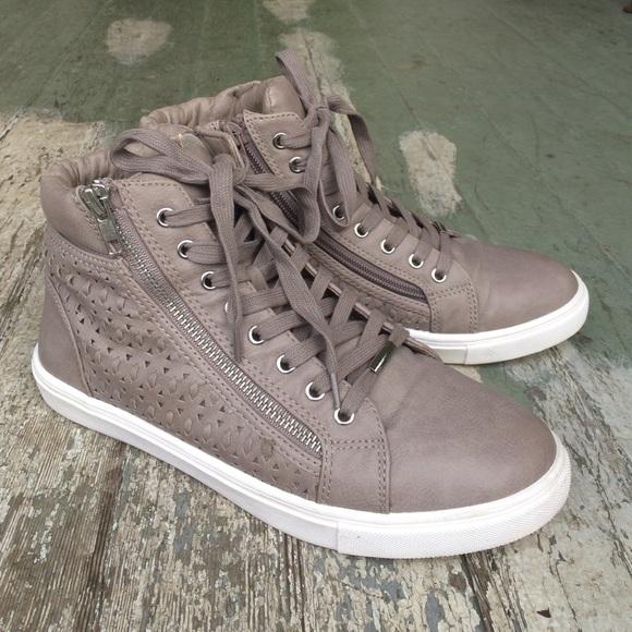 827e3232931 Steve Madden Eiris Sneaker in Grey