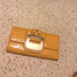 Used, Linear design wallet for sale