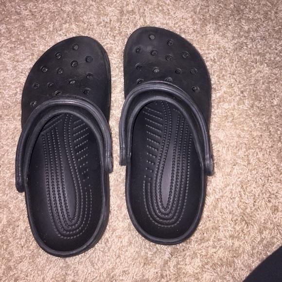 f5d43edd11cd0 CROCS Shoes - All black crocs women size 6-7 male size 4-5