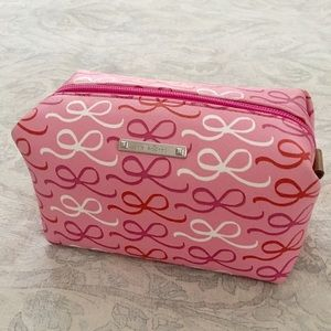 Stella & Dot Handbags - NWOT Stella & Dot Pink Bow Print Pouf